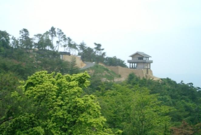 岡山県『鬼ノ城』を超満喫する観光ガイド(住所・写真スポット・御城印・駐車場)を徹底紹介