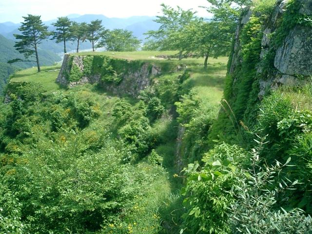 兵庫県『竹田城』を超満喫する観光ガイド(住所・写真スポット・御城印・駐車場)を徹底紹介