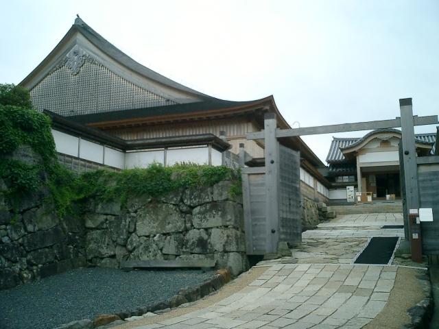 兵庫県『篠山城』を超満喫する観光ガイド(住所・写真スポット・御城印・駐車場)を徹底紹介