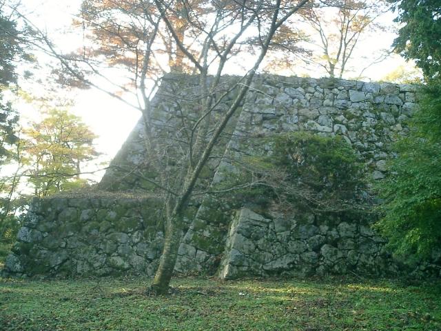 奈良県『高取城』を超満喫する観光ガイド(住所・写真スポット・御城印・駐車場)を徹底紹介