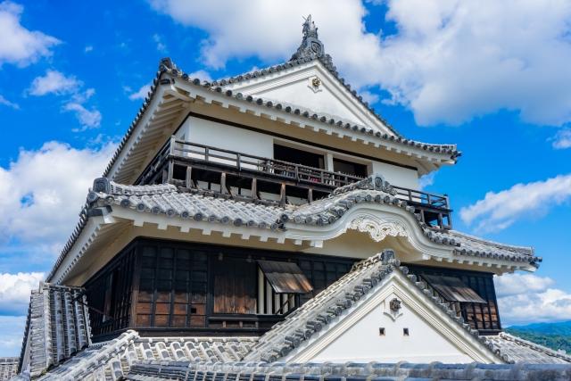 愛媛県『松山城』を超満喫する観光ガイド(住所・写真スポット・御城印・駐車場)を徹底紹介