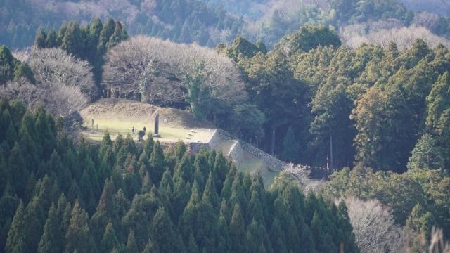 石川県『七尾城』を超満喫する観光ガイド(住所・写真スポット・御城印・駐車場)を徹底紹介