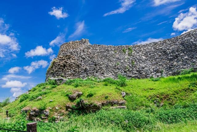 沖縄『今帰仁城』を超満喫する観光ガイド(住所・写真スポット・御城印・駐車場)を徹底紹介