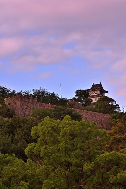 香川『丸亀城』を120%楽しむ観光ガイド(写真スポット・アクセス・スタンプ・駐車場)を徹底紹介